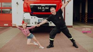 Wspólna sesja fotograficzna na Dzień Ojca.Tancerka i strażak