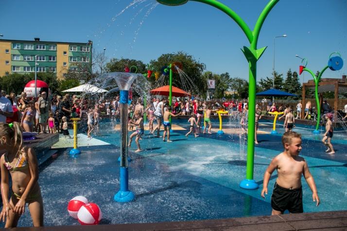 Turek. Wodny plac zabaw już otwarty. Dopiero drugi w Polsce