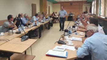Radni powiatowi obniżyli wynagrodzenie starosty konińskiego
