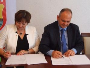 Grodziec. Podpisali umowę na Punkt Selektywnej Zbiórki Odpadów