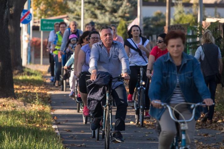Kazimierz Biskupi. Cykliści wypróbowali nową ścieżkę rowerową