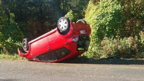 Wypadek w Licheniu. Kierująca toyotą nie zdążyła wyminąć drzewa