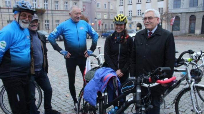 Konin na trasie rowerowej lekcji historii Miłki Raulin na 100-lecie