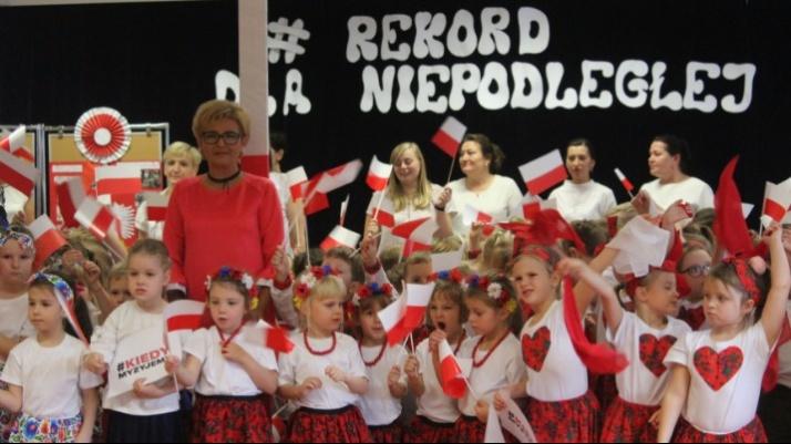 Przedszkole nr 4 o godz. 11.11 zaśpiewało hymn narodowy