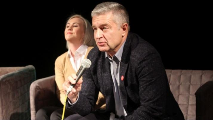 Władysław Frasyniuk z żoną w konińskiej Akademii Demokracji