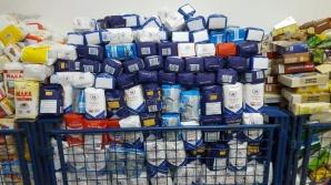 Podczas zbiórki zebrano  7700 kg żywności. Paczki dla seniorów