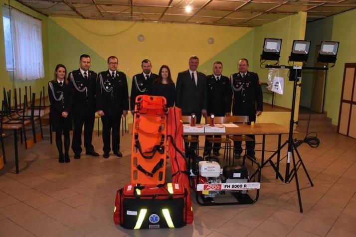 Wilczyn. Sprzęt za prawie 40 tys. zł trafił do strażaków z OSP