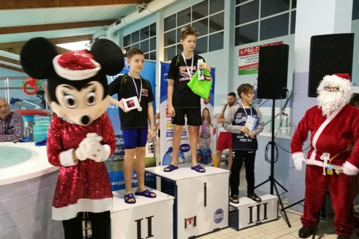 Imponująca drużyna Iskry. 51 zawodników pływało w Gnieźnie