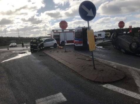 Wypadek w Wólce. W zderzeniu samochodów ucierpiały trzy osoby