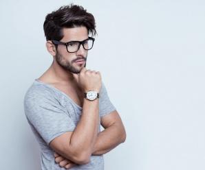 Czy do stylu sportowego pasuje zegarek na pasku czy bransoletce?
