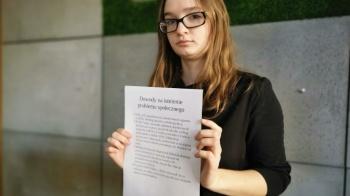 Nastolatka promuje wśród rówieśników pomoc psychologiczną