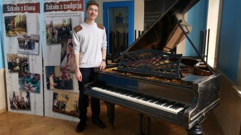 Konin. Przedwojenny fortepian ma szansę odzyskać dawny blask