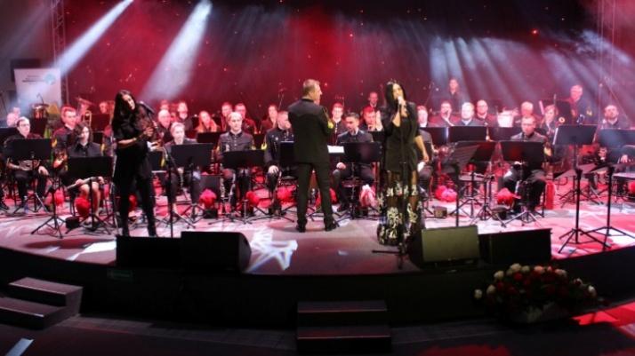 """Orkiestra PAK KWB """"Konin"""" świętowała swoje 65-lecie z Kayah"""