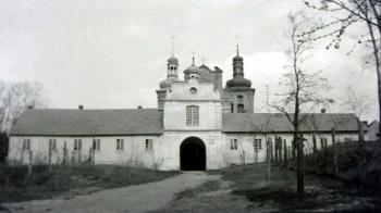 Który po ponad stu latach zakonników do Bieniszewa sprowadził