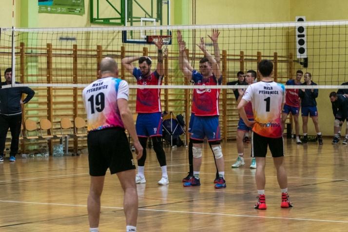 Turnieje ćwierćfinałowe: Orzeł  wygrał, Piątka już ma awans