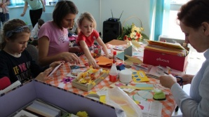 Pisanki i zajączki na Artystycznych Warsztatach Wielkanocnych