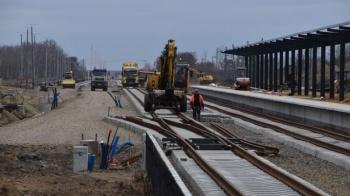 Szlifują tory. Ruch pociągów ma zostać wznowiony w czerwcu
