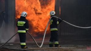 Smulsko. Tartak w ogniu. Z pożarem walczyło 36 jednostek straży