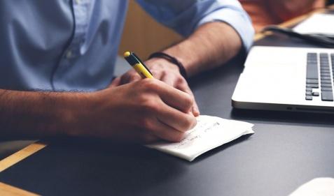 Jak prawidłowo trzymać długopis?