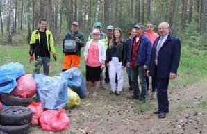 Rzgów. Kilkanaście worków śmieci zebranych w TrashTag Challenge