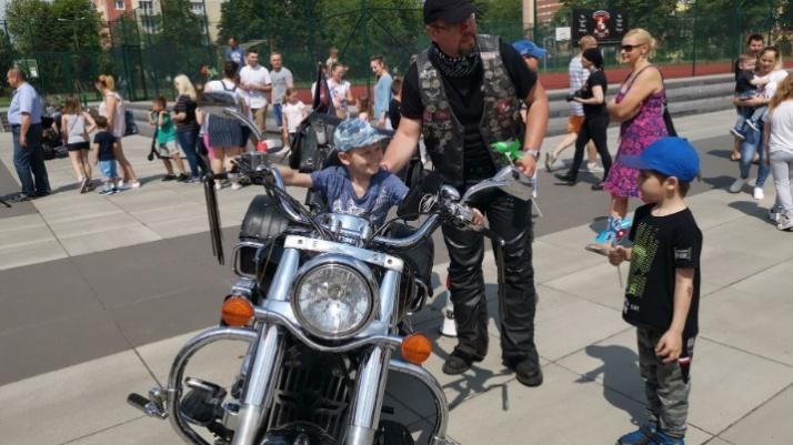 Motocyklowa Grupa z Konina z mocą atrakcji na Dzień Dziecka