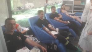Konin. Honorowo oddawali krew przed Komendą Miejską PSP