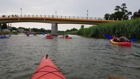 Jubileuszowy spływ. Dwustu kajakarzy, dwie trasy i jedna meta