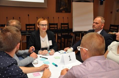 Pracują nad programem wspierania młodych przedsiębiorców