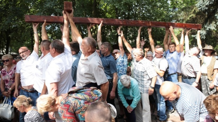 Licheń. Uzależnieni wraz z rodzinami przyjechali do sanktuarium