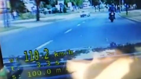 Policjanci SPEED zatrzymali motocyklistę. Jechał 110 km/h