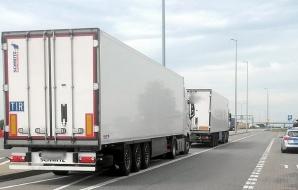 Lądek. Z ponad 2 promilami kierował ciężarówką na autostradzie