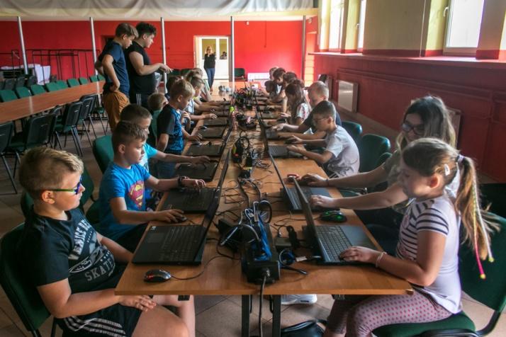 Uczą dzieci... grać w Minecrafta. To współczesne klocki Lego