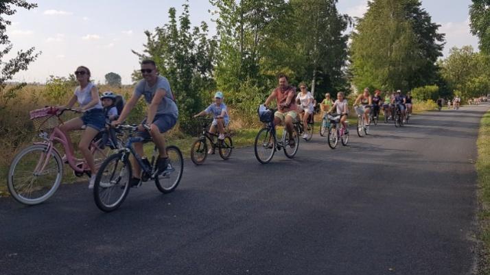Pojechali w rodzinnym rajdzie rowerowym na koniec wakacji