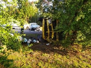 Wypadek w Leśnictwie. Bus zderzył się z samochodem osobowym
