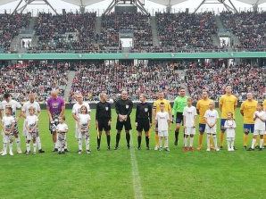 Diakow w meczu TVN, Zywert w szesnastce najlepszych sędziów