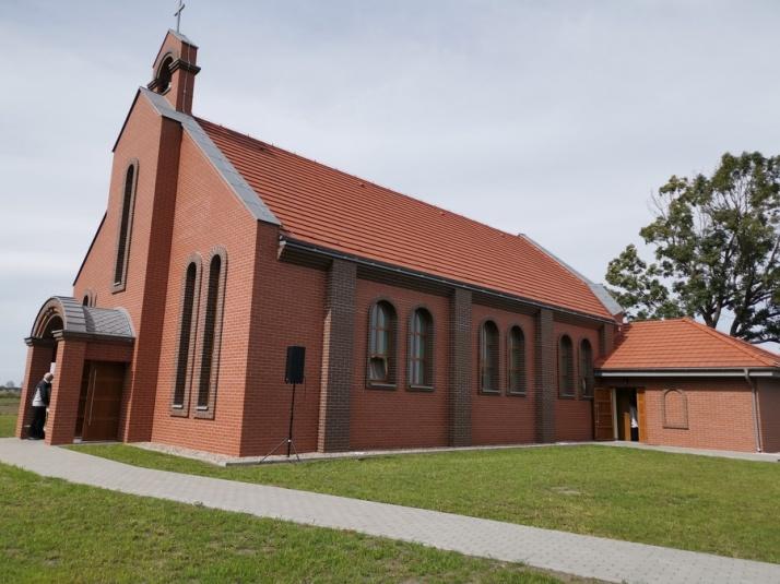 Kryszkowice. Kopalnia wybudowała kościół, a biskup poświęcił