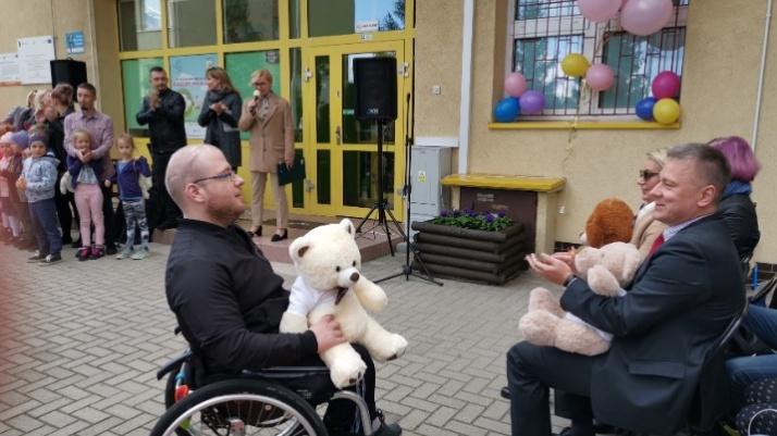 Konin. Przedszkolny plac zabaw dla dzieci z niepełnosprawnościami