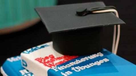 Kontrowersje wokół kupowania prac dyplomowych