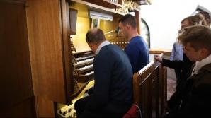 Licheń. Studenci uczelni muzycznych na warsztatach organowych
