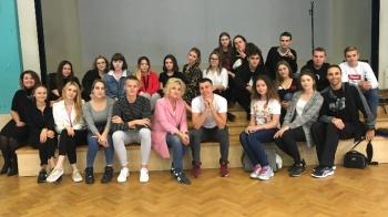 Konin. Tańczyli i uczyli się. Europejski Dzień Języków w I LO