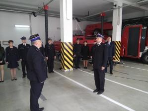 Nowy samochód konińskich strażaków przyjechał z Poznania