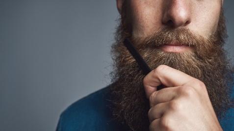 Nadchodzi jesień. Idealny czas żeby zapuścić brodę!