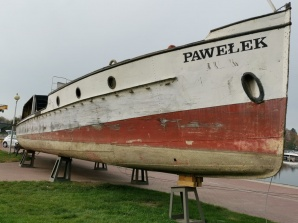 """Ślesin. Drugie życie """"Pawełka"""". Statek w trakcie remontu"""