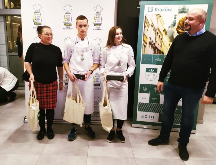 Kulinarny sukces uczniów z ZSEU w Żychlinie. Gastronomiczny test