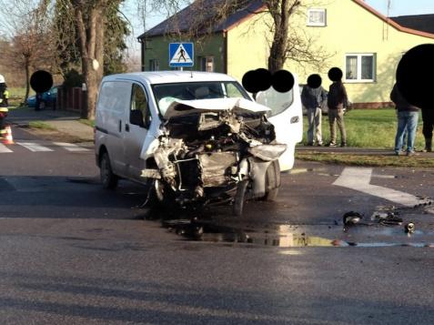 Morzyczyn. Na drodze doszło do zderzenia dwóch samochodów