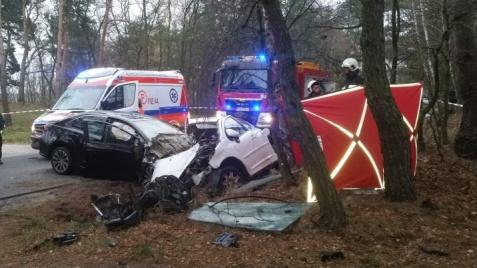 Tragedia na drodze w gminie Grodziec. W wypadku zginęła 19-latka