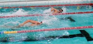 Mikołajkowe Zawody Pływackie. Rywalizowało ponad 140 uczniów