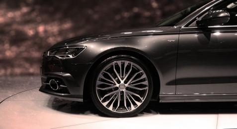 Wady i zalety wynajmu długoterminowego Audi - na co zwrócić uwagę?