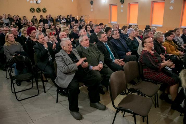 """Na """"Wigilii u Zofii Urbanowskiej"""". Kolędy, życzenia i potrawy"""