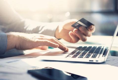 Zalety pożyczek online – w czym wygrywają z tradycyjną pożyczką bankową?